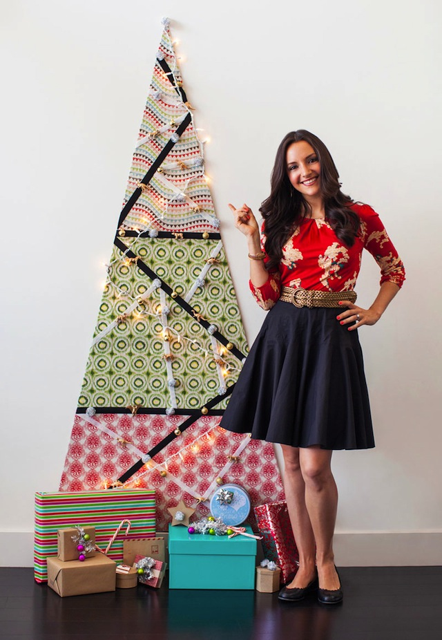 DIY_Christmas_Wall_Tree_Brit_VELCRO®_Brand