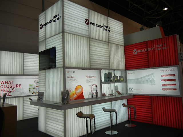 Velcro_Industries_Dusseldorf_Interpack_Booth_Team_2