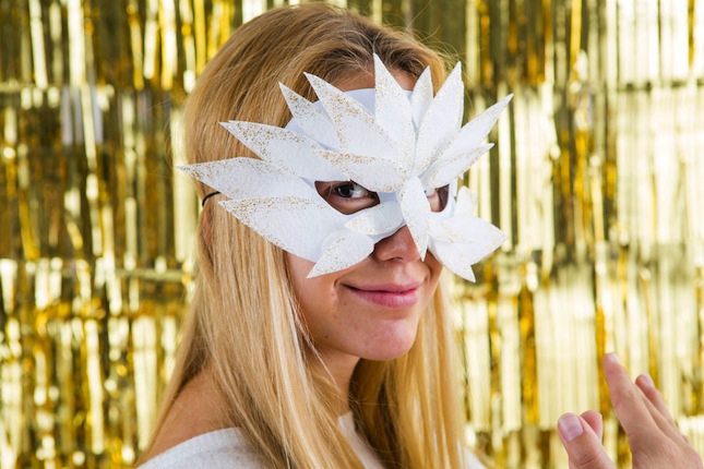 VELCRO®_Brand_Brit_Morin_Masks_DIY