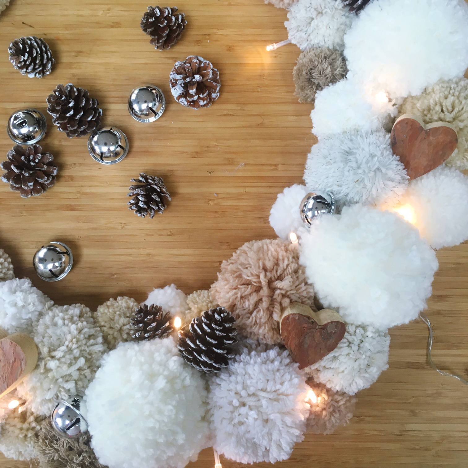 Christmas Pom Pom Wreath with VELCRO® Brand