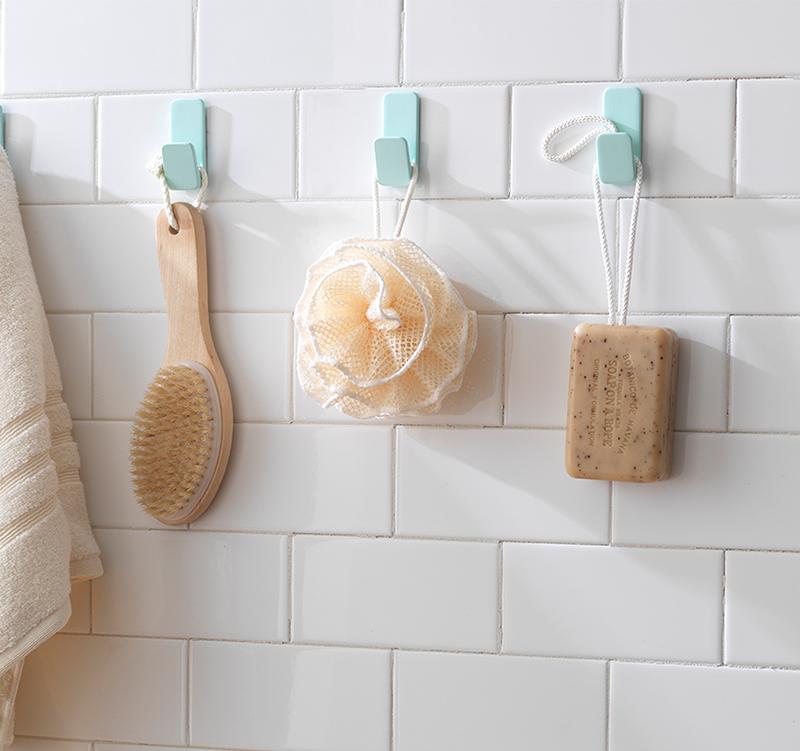 VELCRO® Brand HANGables® Adhesive Hooks for the bathroom