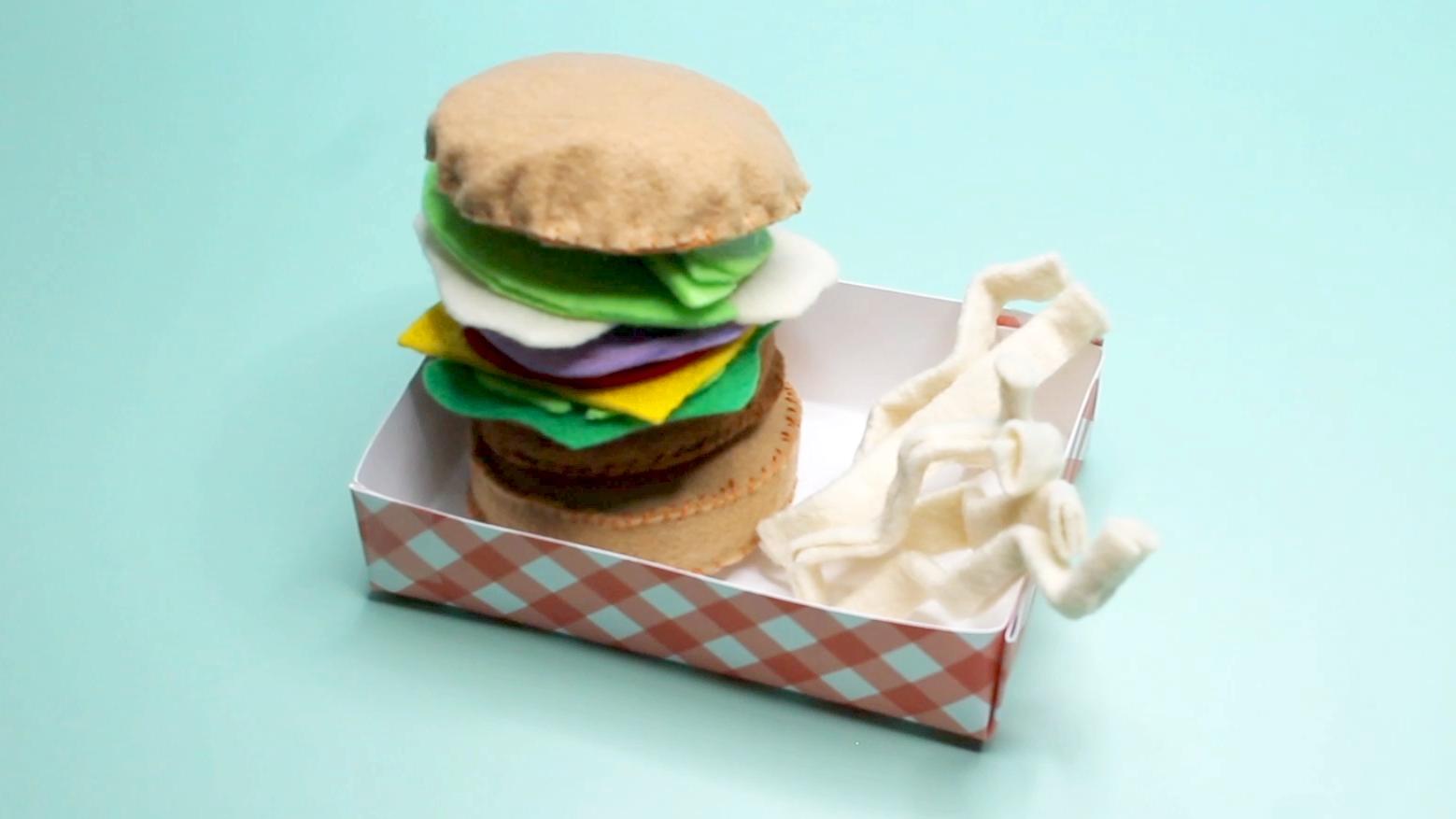 How To DIY Felt Play Food: FELT BURGER