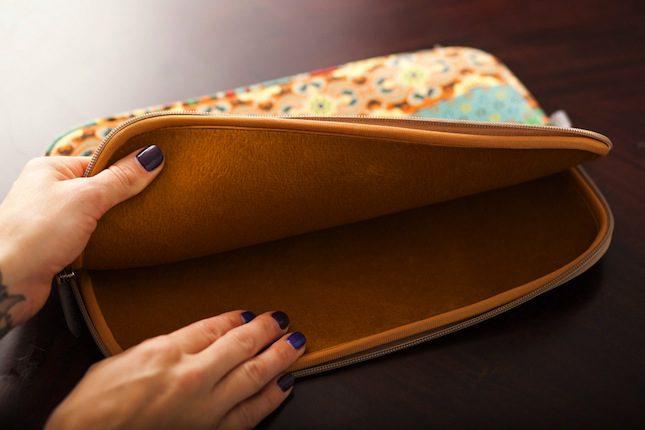Laptop Case One-Wrap® Straps