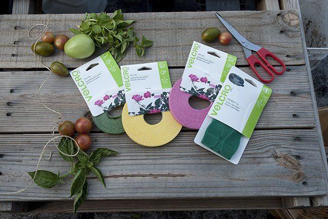 VELCRO®_Brand_Ties_Wrap_Gardening