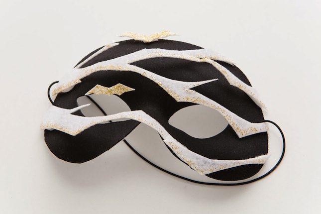 VELCRO®_Brand_Halloween_Mask_Brit