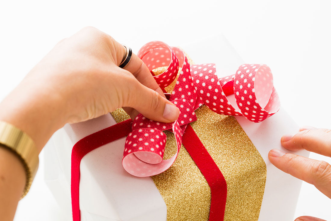 Holiday-Gift-Wrapping-DIY