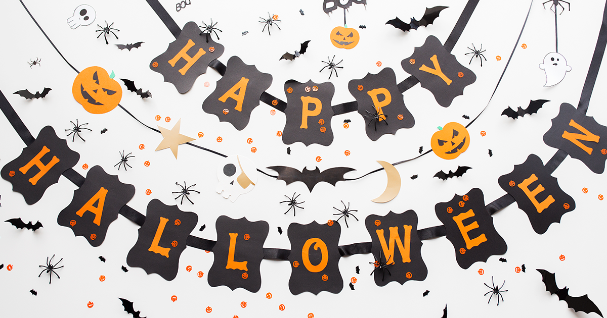 How to Hang Halloween Decorations