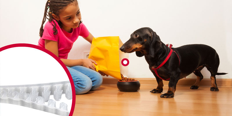 Pet food flexible packaging companies provide ease of use for pet owners
