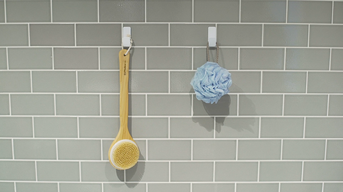 Bathroom Organization Ideas - Hang bathroom accessories